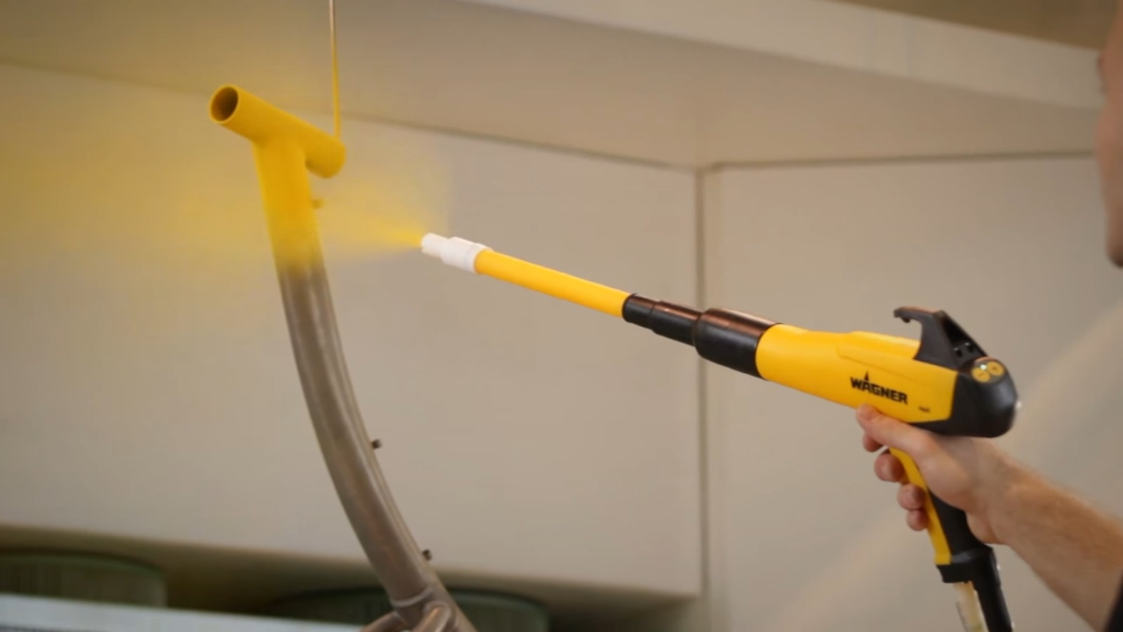 Распыление полимерной краски